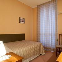 Hotel Des Artistes Living Room