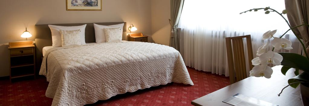 Hotel Hafner - 슈투트가르트 - 침실