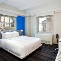 로 NYC 앳 타임스퀘어 Standard One Bed