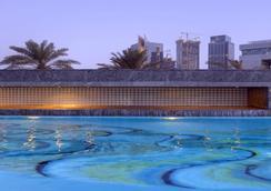 주메이라 에미리트 타워스 - 두바이 - 수영장
