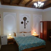 Ziyobaxsh Hotel