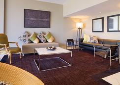 Adina Apartment Hotel Brisbane - 브리즈번 - 라운지