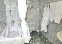 호텔 그로마다 바르샤바 센트룸 - 바르샤바 - 욕실