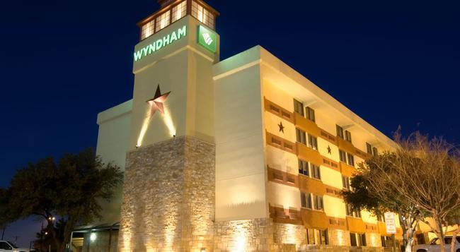 Wyndham Garden Hotel - Austin - 오스틴 - 건물