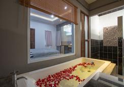 88 파인 호텔 - 수랏타니 - 욕실