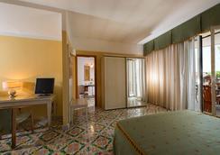 Hotel Leonessa - 나폴리 - 침실