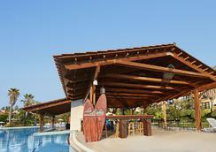 Portaventura Hotel El Paso - Theme Park Tickets Included - 살루 - 수영장