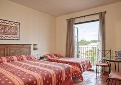 Portaventura Hotel El Paso - Theme Park Tickets Included - 살루 - 침실