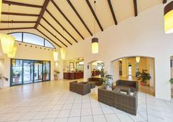 Hotel Portaventura - Theme Park Tickets Included - 살루 - 로비
