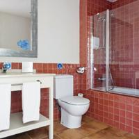 Hotel Portaventura - Theme Park Tickets Included Bathroom