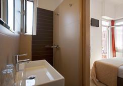 메트로폴리스 호텔 - 아테네 - 욕실