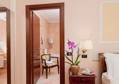 암바치아토리 팰리스 호텔 - 로마 - 욕실