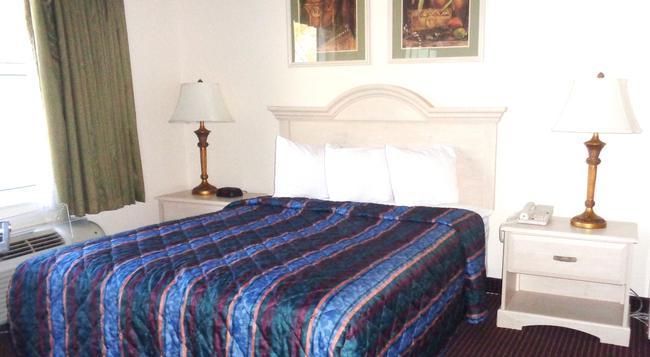 Allure Suites - 포트마이어스 - 침실