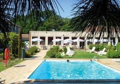레오나르도 호텔 브루게 - 브리헤 - 수영장