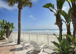 Days Inn Daytona Oceanfront - 데이토나비치 - 해변