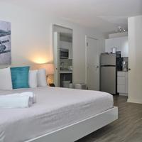 Aqua Hotel Guestroom