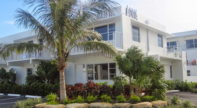 Aqua Hotel - 포트로더데일 - 건물