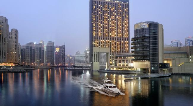 더 어드레스 두바이 마리나 호텔 - 두바이 - 건물