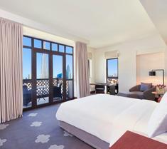 알 만질 다운타운 호텔