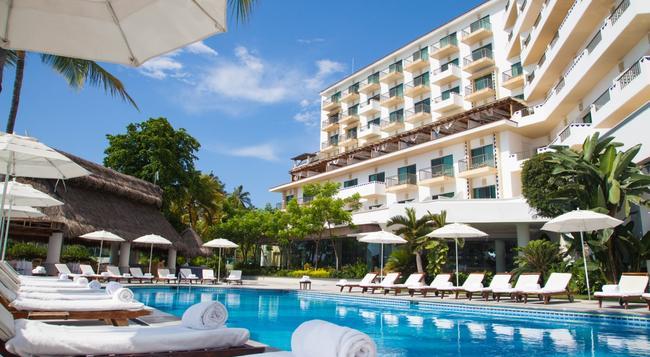 Villa Premiere Boutique Hotel & Romantic Getaway - 푸에르토바야르타 - 건물