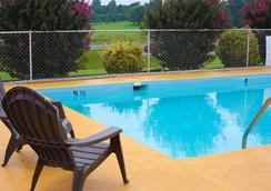 Timberlake Motel - 린치버그 - 수영장
