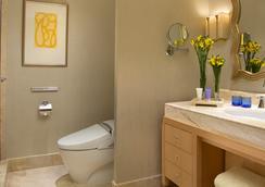 더 스위트 앳 호텔 물리아 세나얀 - 자카르타 - 욕실