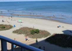 Blu Atlantic Oceanfront Hotel & Suites - 머틀비치 - 해변
