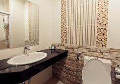 엑셀라 호텔 - 우본라차타니 - 욕실