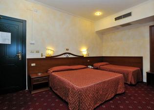 호텔 비르질리노