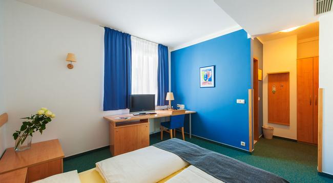 M 호텔 - 류블랴나 - 침실