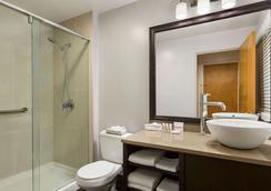 데이즈 인 - 밴쿠버 다운타운 - 밴쿠버 - 욕실