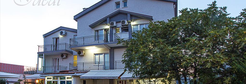 호텔 아이디얼 - 포드고리차 - 건물