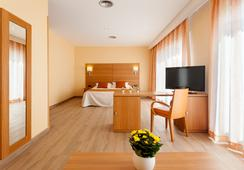 Hotel Pi-Mar - 블랑스 - 침실