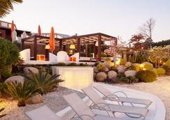 Augusta Spa Resort - 산신소 - 해변