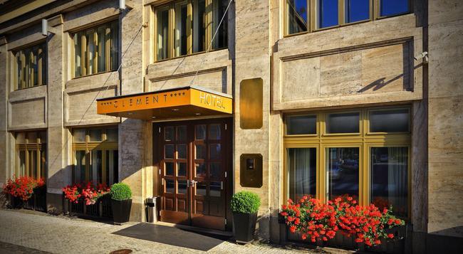 호텔 클레멘트 - 프라하 - 건물