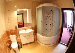 Hotel Planeta Spa - 탐보프 - 욕실