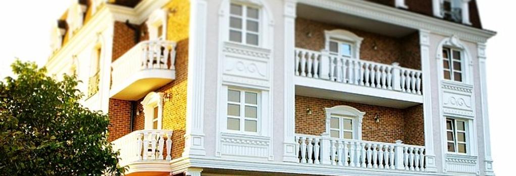 Villa Marina Hotel - 크라스노다르 - 건물