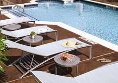 SpringHill Suites Houston Intercontinental Airport - 휴스턴 - 수영장