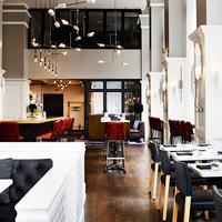 스테이파인애플 앳 디 앨리스 시카고 Bar/Lounge