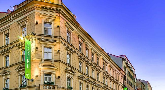 쓰리 크라운 호텔 프라하 - 프라하 - 건물