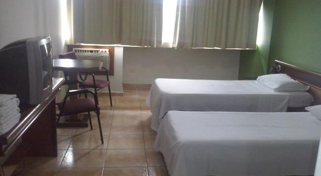 Hotel Lanville Athenee - 포스두이구아수 - 침실