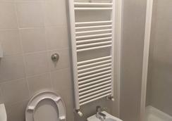 Desideri Bb - 로마 - 욕실