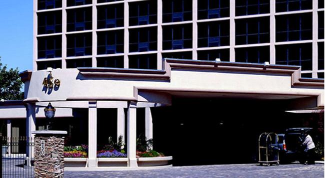 Ramada Plaza Atlanta Downtown Capitol Park - 애틀랜타 - 건물