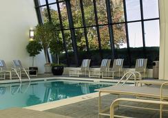 Renaissance Denver Stapleton Hotel - 덴버 - 수영장