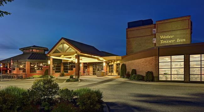 Algoma's Water Tower Inn & Suites, BW Premier Collection - Sault Ste Marie - 건물