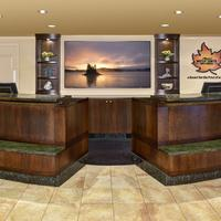 Algoma's Water Tower Inn & Suites, BW Premier Collection Front Desk