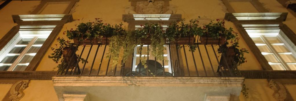 릴레이 지울리아 - 로마 - 건물