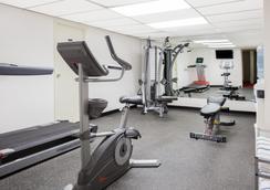 Super 8 Lethbridge - Lethbridge - 체육관