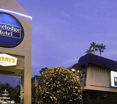트레블롯지 호텔 앳 락스