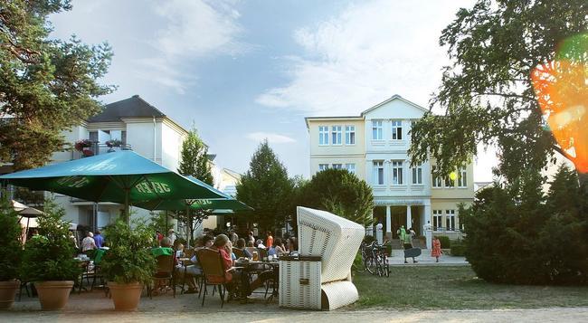 Upstalsboom Hotel Ostseestrand - 제바트헤링스도르프 - 건물